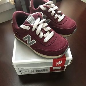 New Balance Maroon comfy kids sneakers size 9